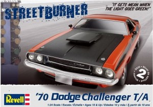 MONOGRAM 2596 - 1/24 '70 DODGE CHALLENGER 2 in 1