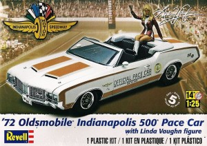 MONOGRAM 4197 - 1/25 72 Olds Indy Pace Car figure
