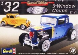 MONOGRAM 4228 - 1/25 '32 FORD 5 WINDOW COUPE