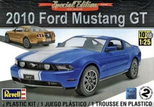 MONOGRAM 4272 - 1/25 2010 MUSTANG GT COUPE