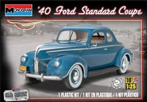 MONOGRAM 4371 - 1/25 '40 Ford Standard Coupe